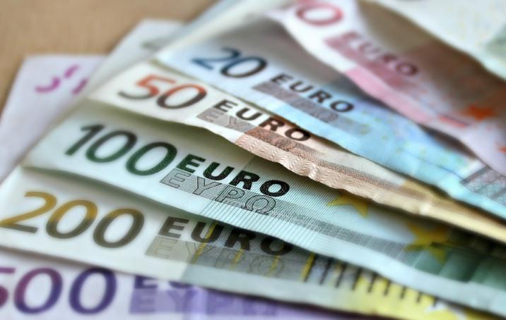 Vous avez besoin d'argent liquide? Transférez de l'argent sur votre compte depuis votre carte de crédit!